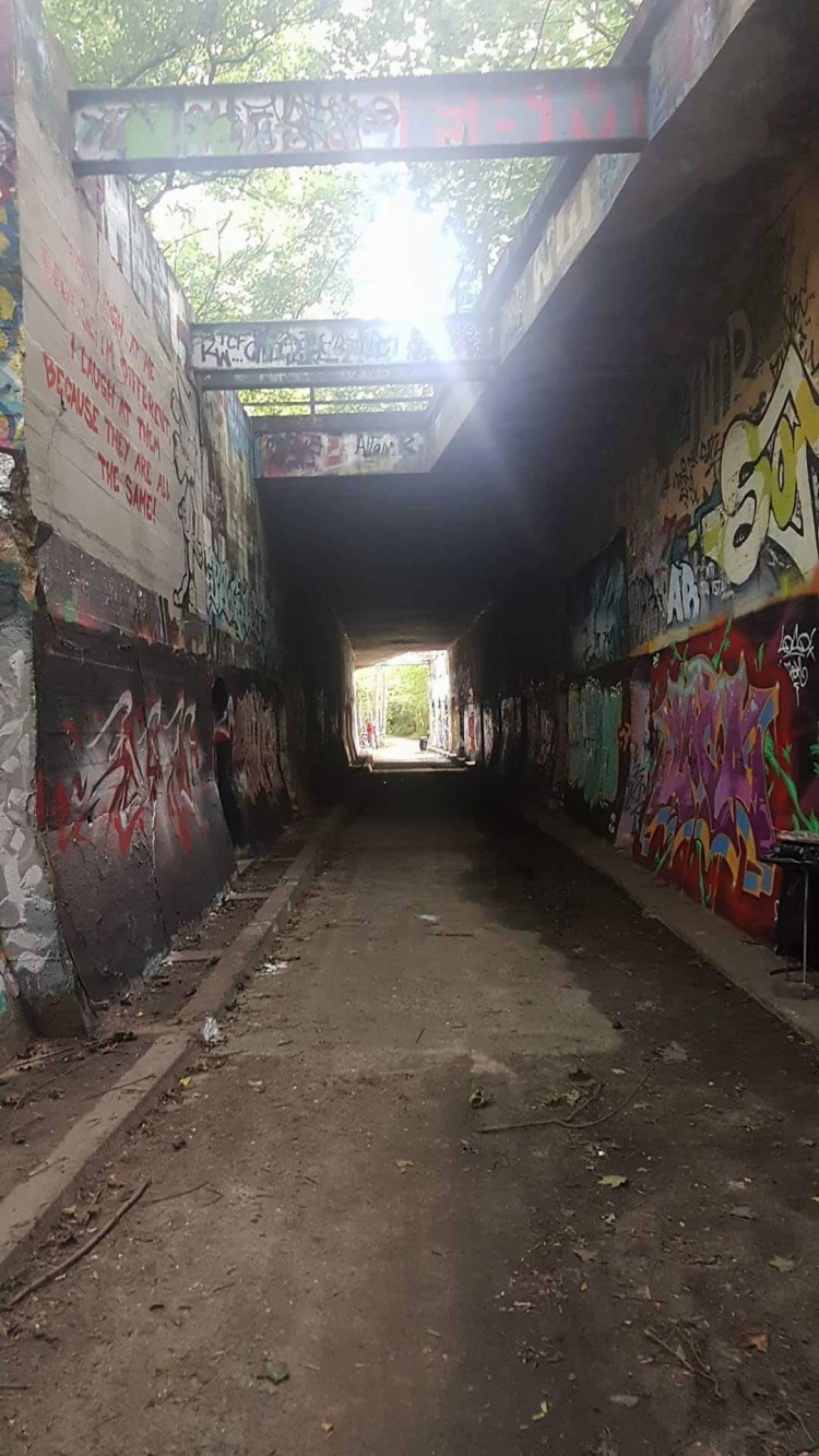 Things Helen Loves, tunnel covered in graffiti