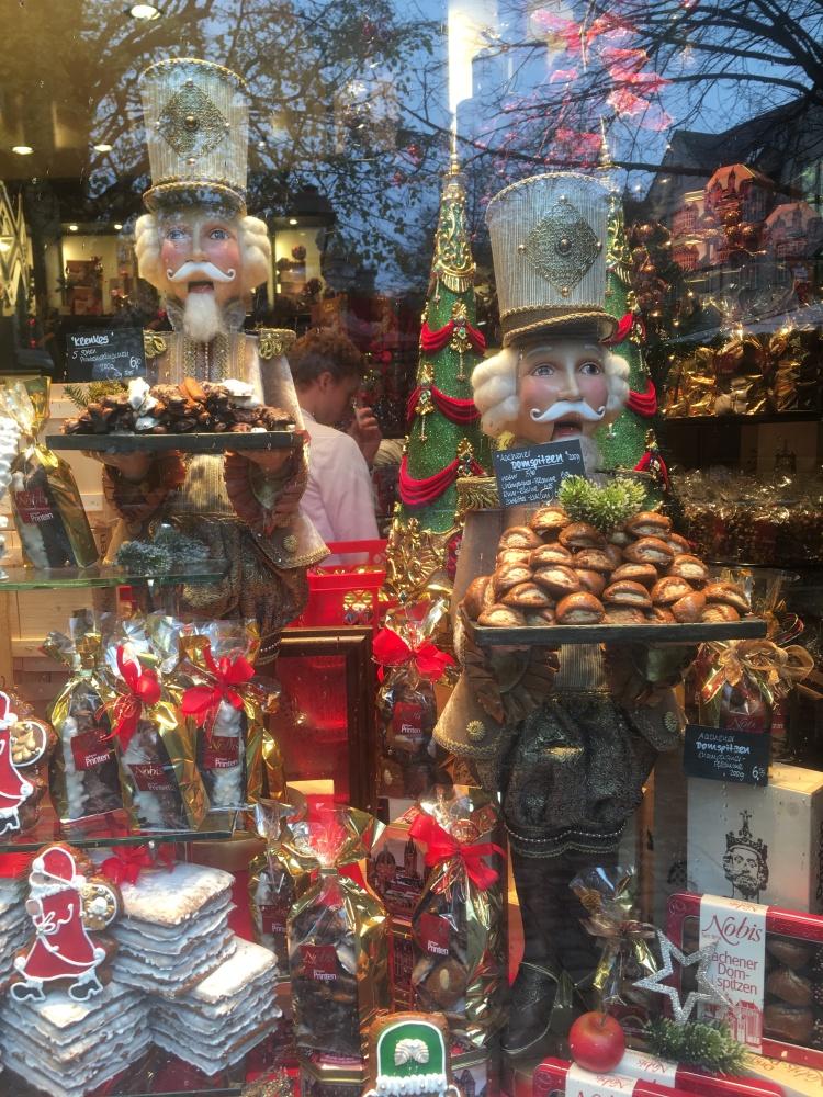 Things Helen Loves, Festive window display.