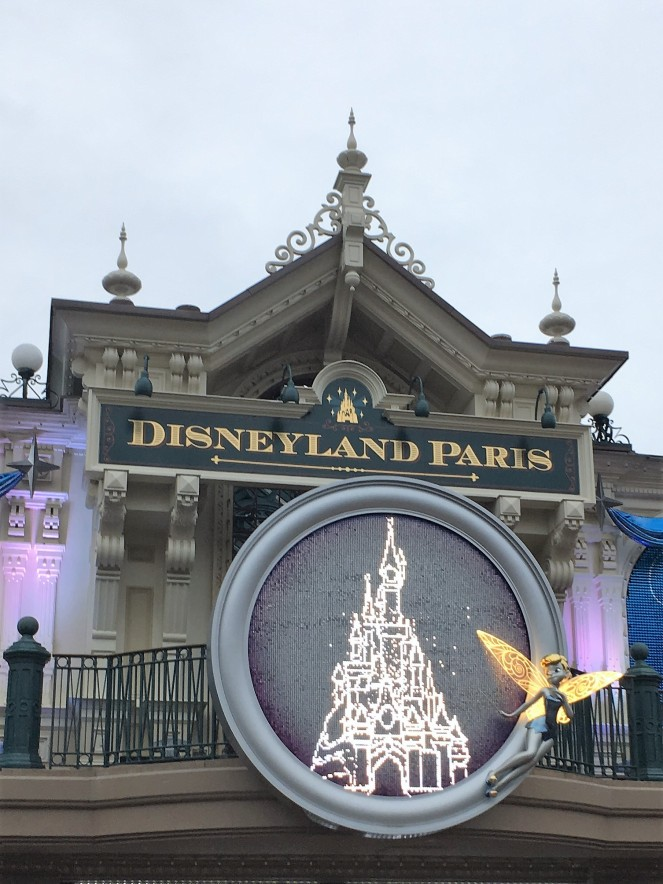 Things Helen Loves, Image of illuminated Tinkerbell display for 25th anniversary at Disneyland Paris