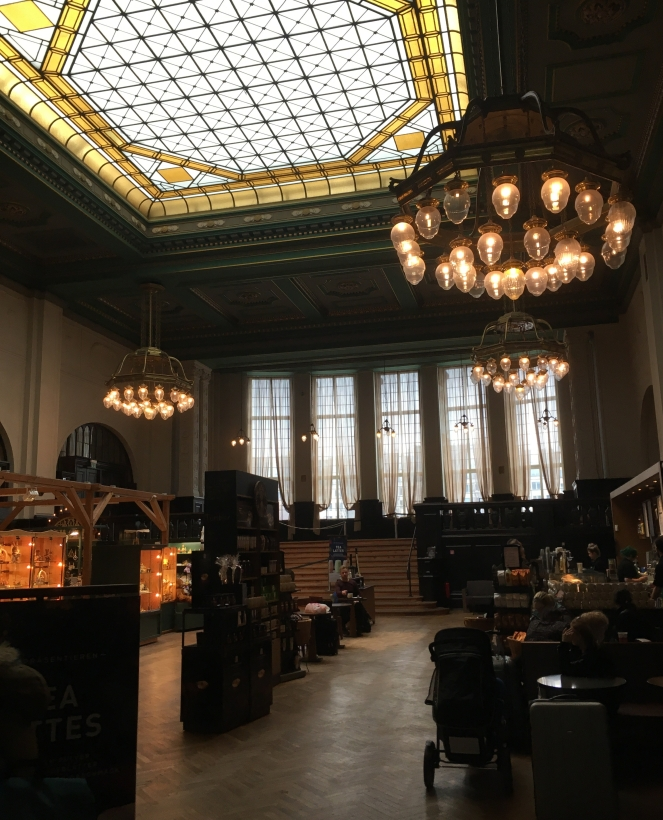 Things Helen Loves, interior of Starbucks in Leipzig Station
