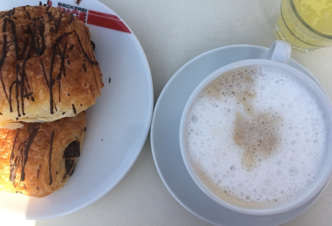 Things Helen Loves, image of breakfast at a bakery