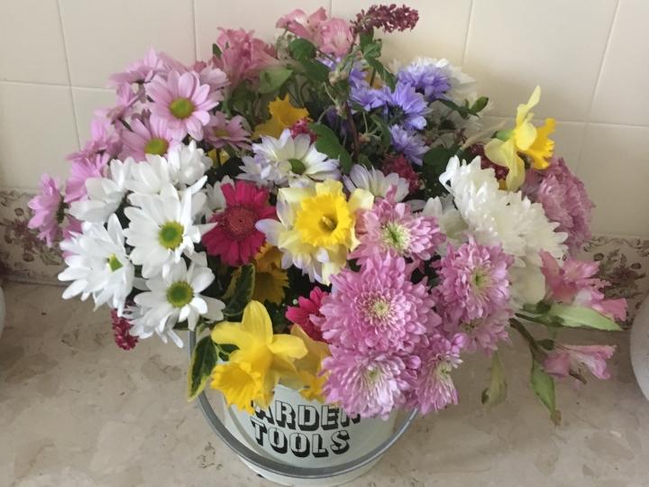 Things Helen Loves, spring flower arrangement