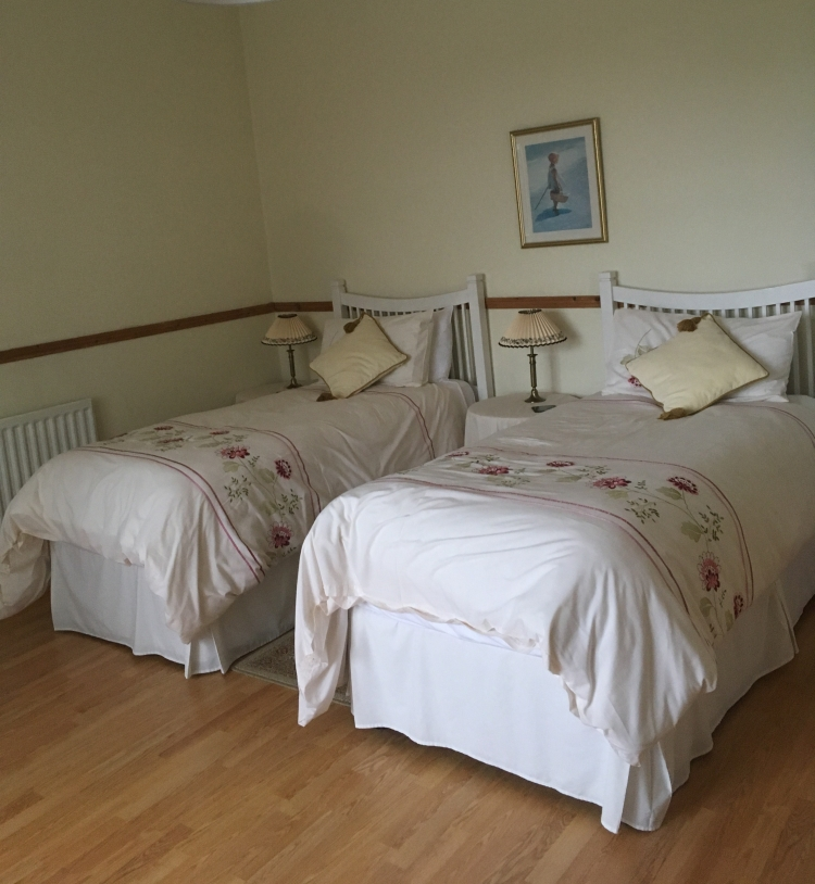 Things Helen Loves, image of bedroom in holiday apartment
