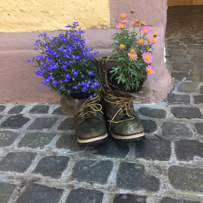 Things Helen Loves, image of boots used as flower pots