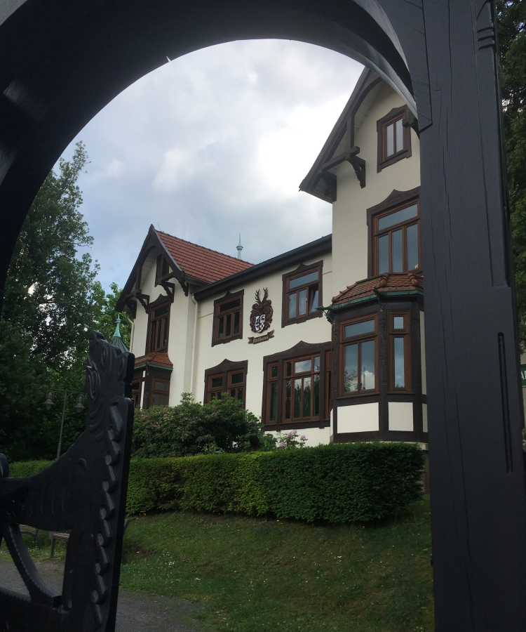 Things Helen Loves, image of an old German building of cream stone and brown wood