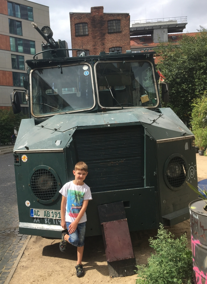 Things Helen Loves, old military vehicle in Hamburg Gangviertel district