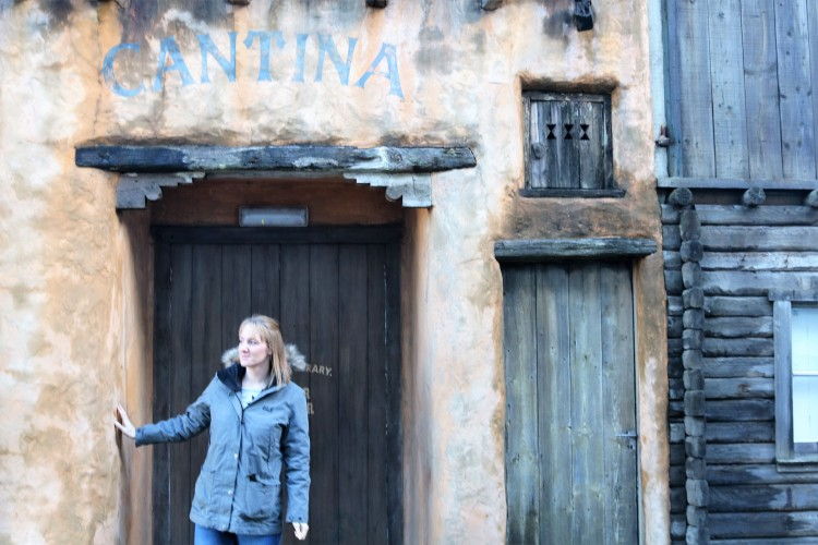 Things Helen Loves, image of me stood in Cantina door