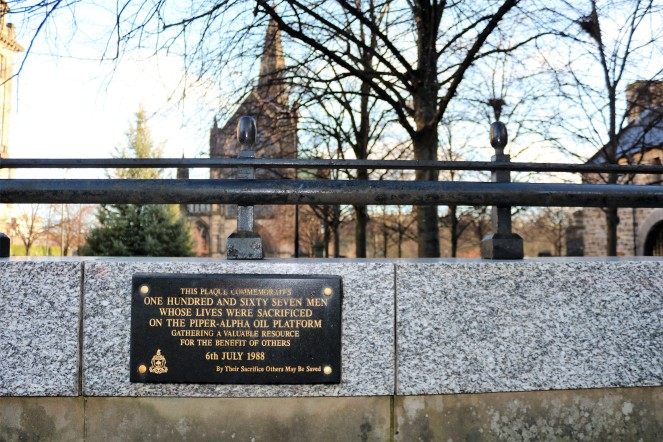 Things Helen Loves , image of memorial to Piper Alpha disaster