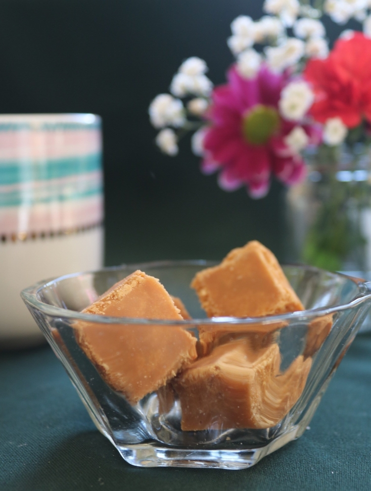 Things Helen Loves Image of small dish ith blocks of scottish tablet