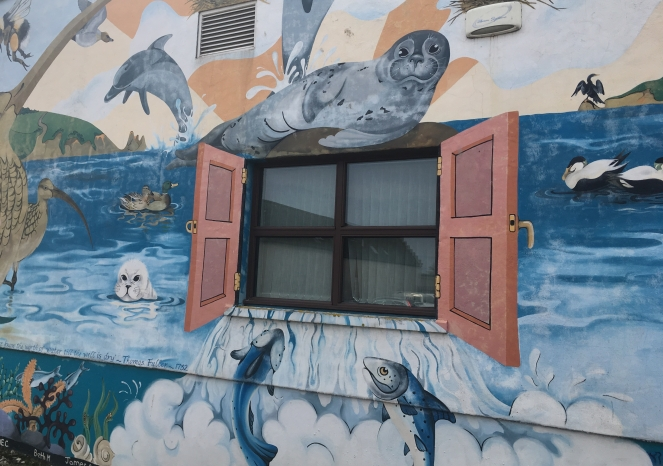Things Helen Loves, Image of mural featuring sea life and ocean scene