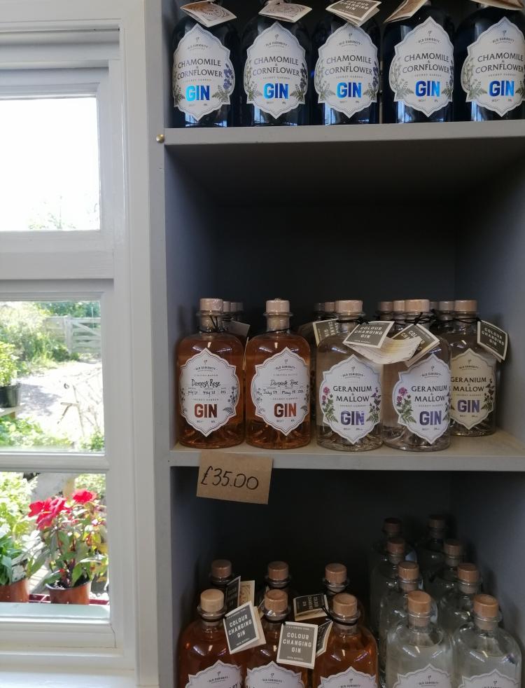 Things Helen Loves, bottles of botanical gin on display