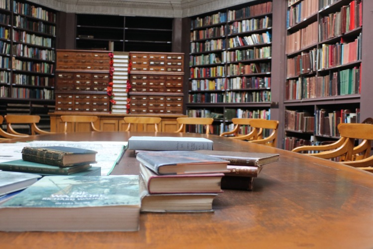 Things Helen Loves, Interior of Lit & Phil Library.