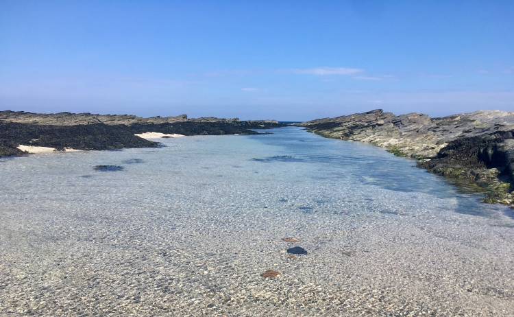 Things Helen Loves, rocky sea shore under blue skies