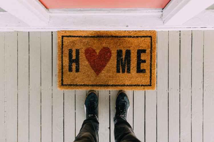 Things Helen Loves Image of door mat reading Home