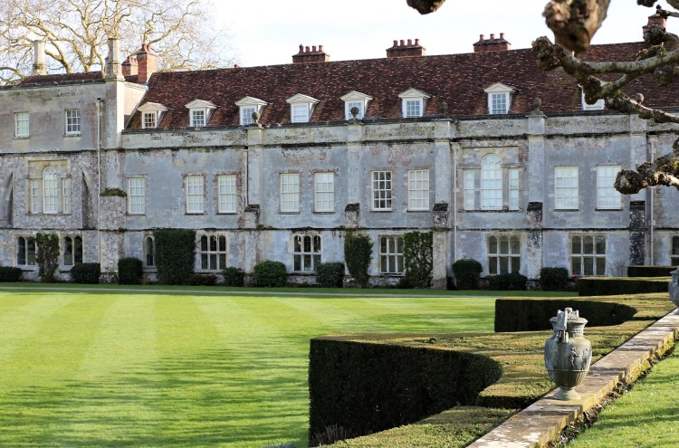 Things Helen Loves , rear of house with formal lawn, Mottisfont