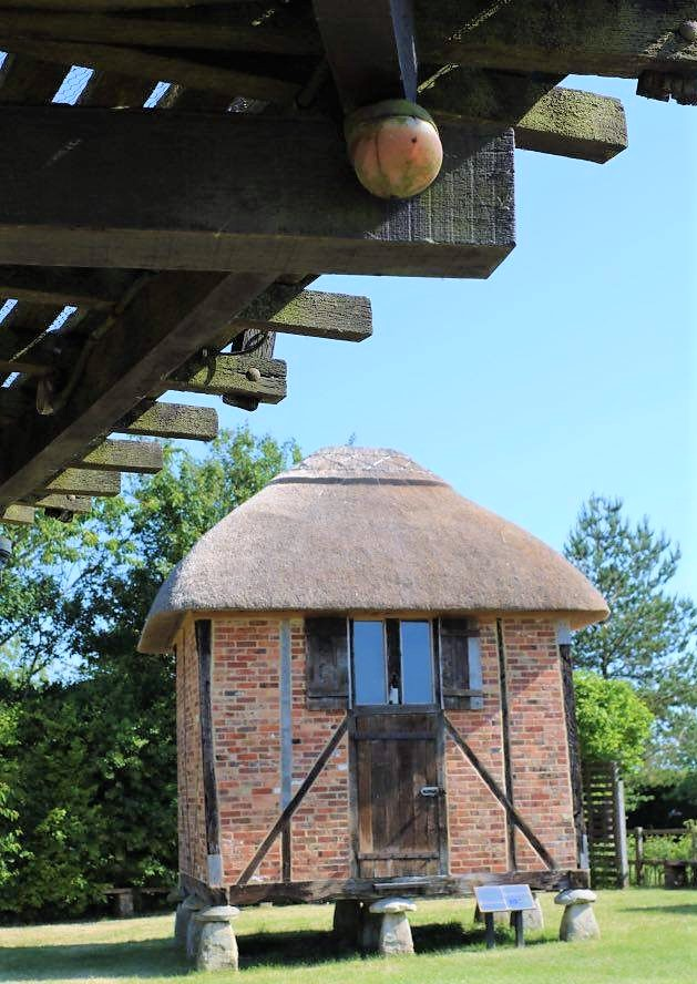 Things Helen Loves, image of small stone granary