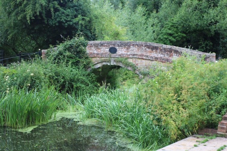 Things Helen Loves, image of bridge with blue heritage plaque