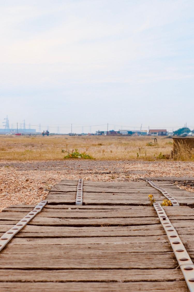 Things Helen Loves, image of bleak desert landscape