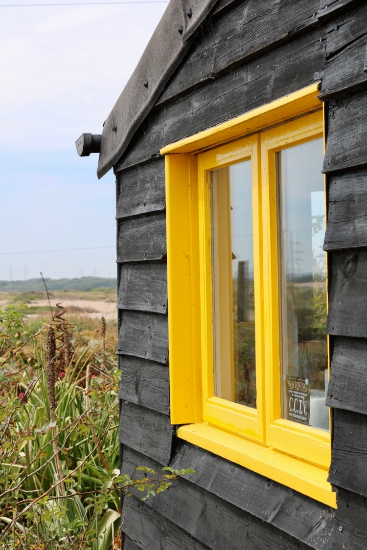 Things Helen Loves, image of yellow framed window