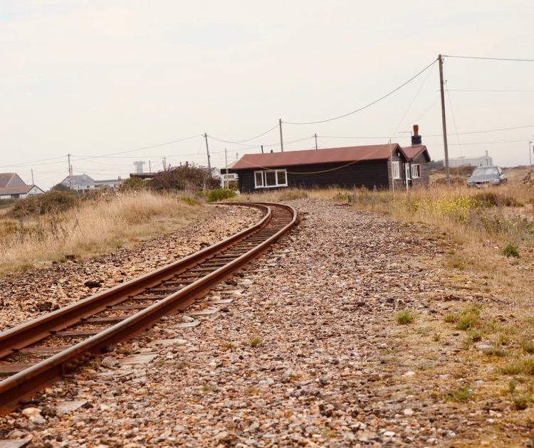 Things Helen Loves, image of shacks and old railroad