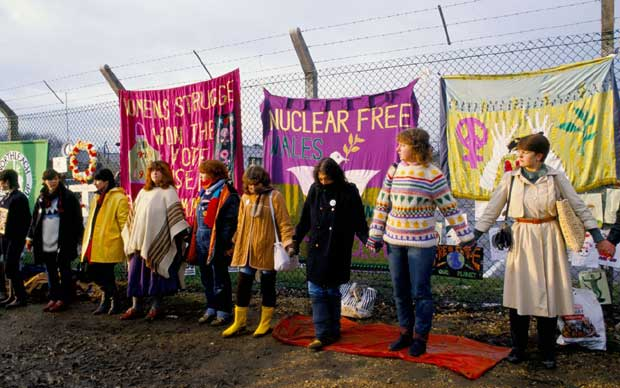 Things Helen Loves, archive image of women at Greenham Peace camp