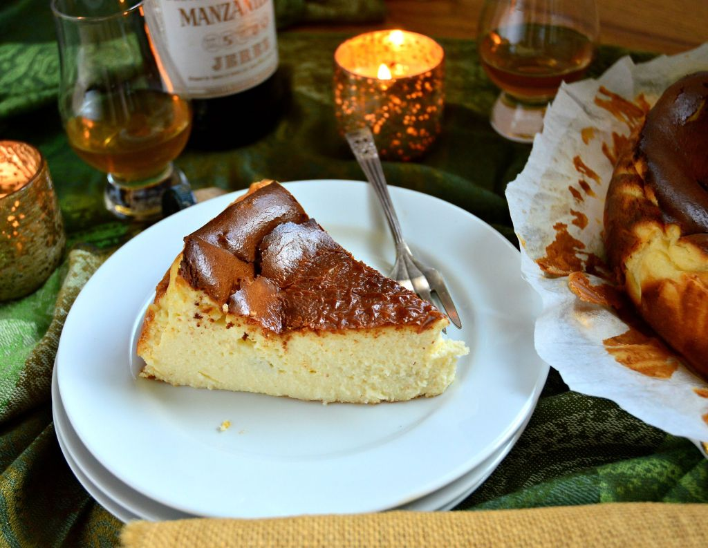 This image has an empty alt attribute; its file name is san-sebastian-cheesecake.jpg