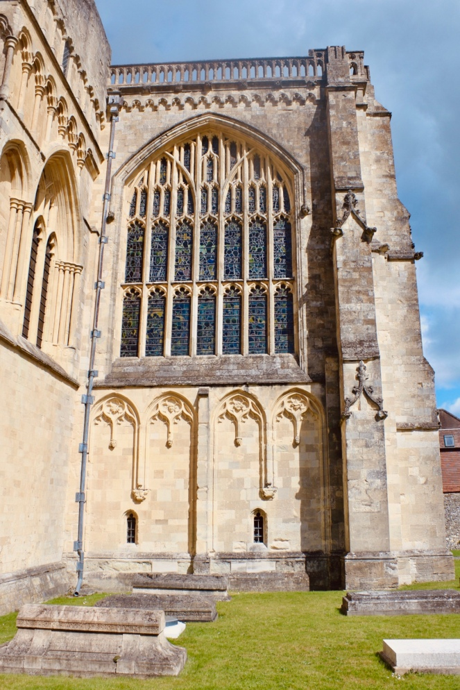Things Helen Loves, image of the side of Winchester Cathedral